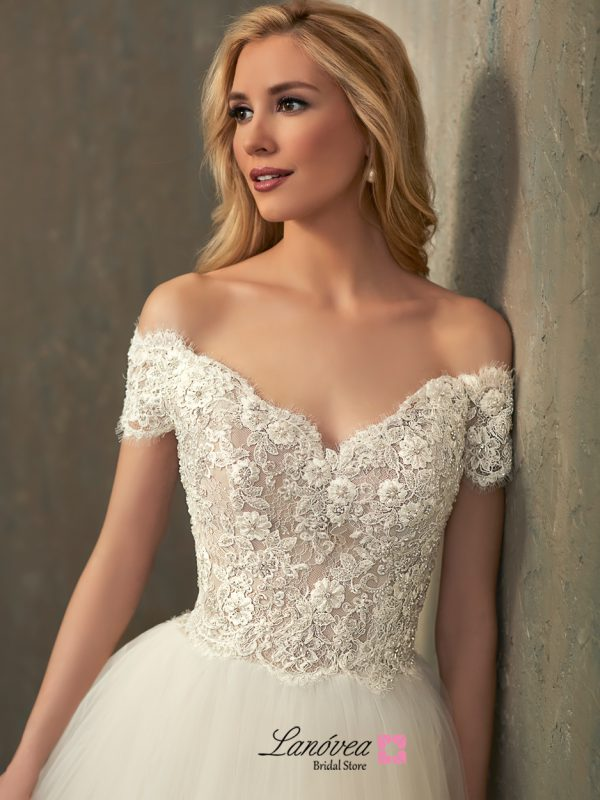 Carissa wedding dress