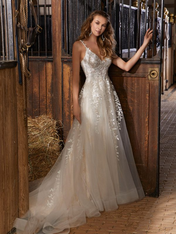 Boho Chic Wedding Dress For Rent