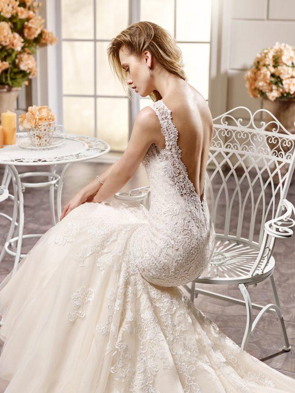 beautiful back wedding dress