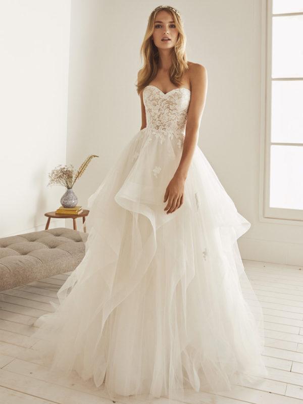 Vestido de novia princesa con vuelos