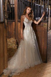 Boho chic wedding dress for rent